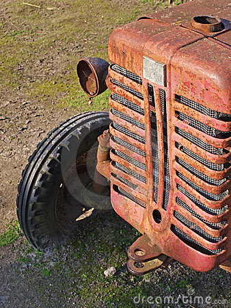 Free Old Tractor Royalty Free Stock Image - 21298316