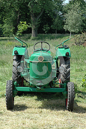 Free Old Tractor Stock Image - 48974601