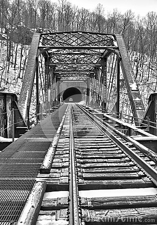 Free Old Train Bridge And Tunnel In Snow Royalty Free Stock Photos - 37418008