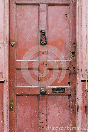 Free Old Vintage English Style Red Salmon Pink Front Door With Age Re Stock Image - 100575221