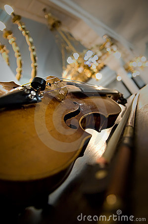 Free Old Violin Close-up Royalty Free Stock Photo - 4884745