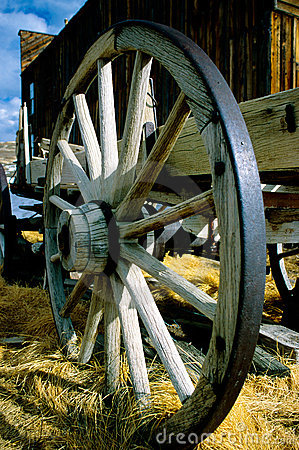 Free Old Wagon Wheel Royalty Free Stock Photos - 616728