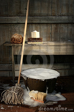 Free Old Wash Bucket With Mop And Brushes Royalty Free Stock Photos - 20573298