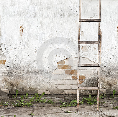 Free Old, Weathered Brick Wall Background Stock Images - 42069984