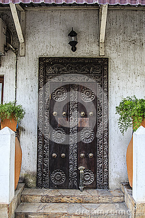 Free Old Weathered Carved Traditional Zanzibarian Door Stock Images - 52373514