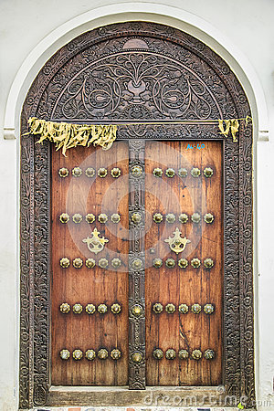 Free Old Weathered Carved Traditional Zanzibarian Door Royalty Free Stock Photo - 52589075