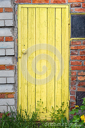 Free Old Weathered Door With Knob. Stock Photos - 40882033