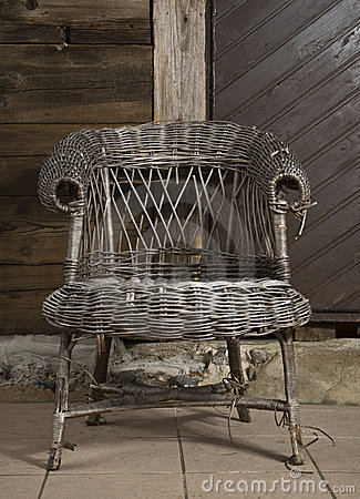 Old wicker chair1
