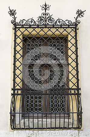 Free Old Window With Forged Grid Stock Photo - 39350230