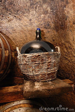 Free Old Wine Stock Images - 18619674