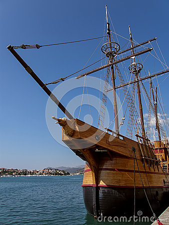 Free Old Wooden Boat Stock Images - 31851074