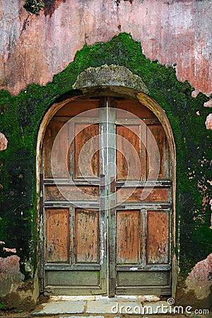 Free Old Wooden Door Stock Image - 48028851