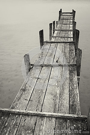 Free Old Wooden Jetty Royalty Free Stock Photography - 35525707