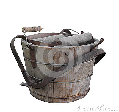 Free Old Wooden Wash Bucket Isolated. Royalty Free Stock Images - 27078429