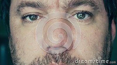 Olhos de homens adultos video estoque