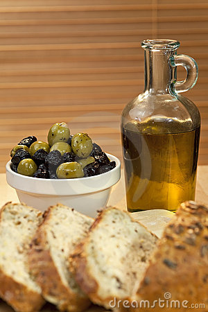 Olive Oil, Green & Black Olives & Rustic Bread