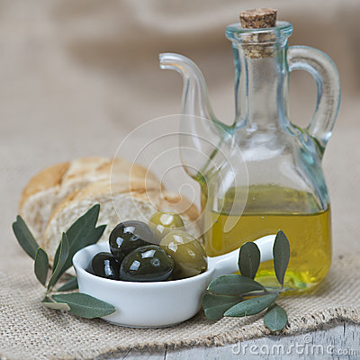 Free Olive Oil With Olives And Bread Stock Photo - 27454710