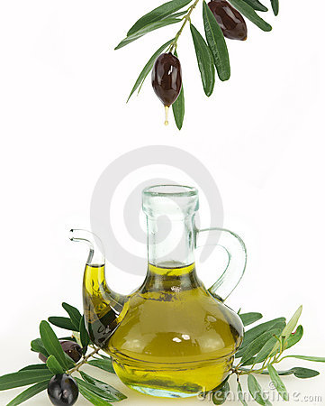 Free Olives And Olive Oil Royalty Free Stock Photo - 15582225