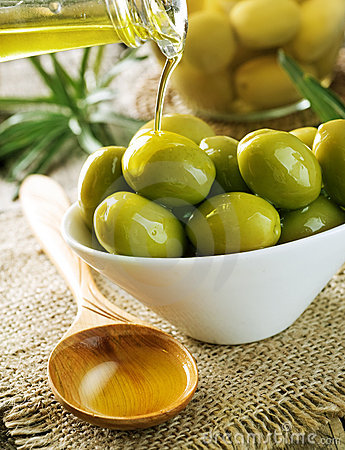 Free Olives And Olive Oil Stock Images - 15790954