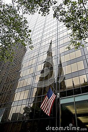 Olympischer Kontrollturm und Kathedrale Str.-Patricks - NYC