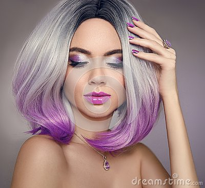 Free Ombre Bob Hair Coloring Woman. Beauty Portrait Of Blond Model Wi Royalty Free Stock Image - 110394476