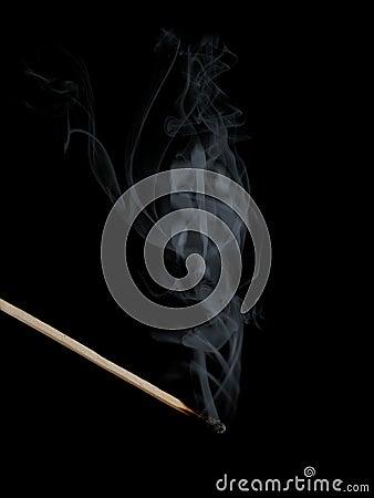 Ombre du dollar dans la fumée