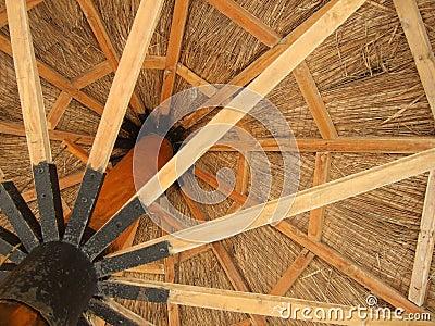 Ombrello di legno