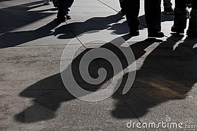 Ombres de la marche de gens
