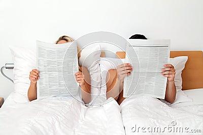 ανάγνωση εφημερίδων πληρ&omicron