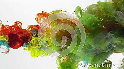 Onder zich water het vloeibare kleuren mengen stock videobeelden