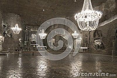 Ondergrondse kamer in de zoutmijn wieliczka stock afbeelding afbeelding 30683071 - Ondergrondse kamer ...
