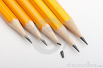 One broken point among sharp pencils