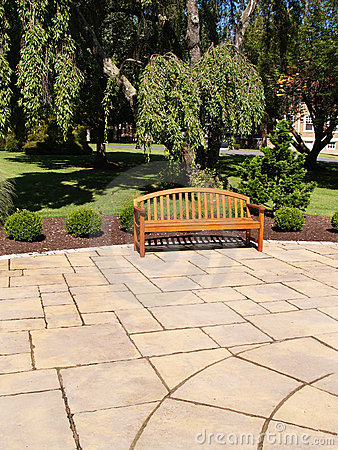 Free One Wood Bench Royalty Free Stock Photography - 6116107