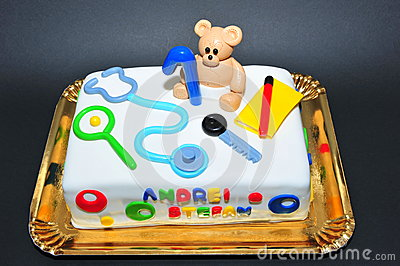 Beautifully crafted fondant birthday cake for one year old kids.