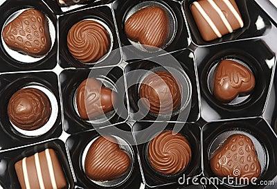 Open boxas av choklader