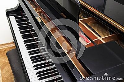 Open concert piano