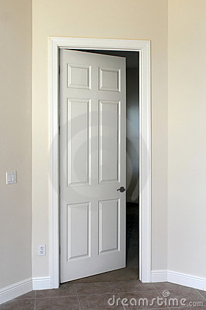 Free Open Door Stock Images - 12657804