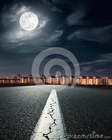 Free Open Road. Entry Into The City Stock Images - 38994684