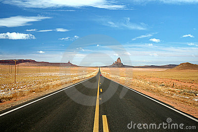 Open road to Monument Valley, Arizona