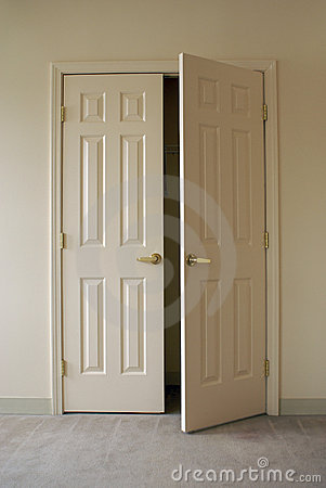 Free Opening Closet Doors Stock Images - 1989794