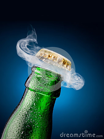 Free Opening Of Beer Cap Stock Images - 33685894