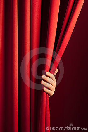 Free Opening The Red Curtain Royalty Free Stock Images - 8393599