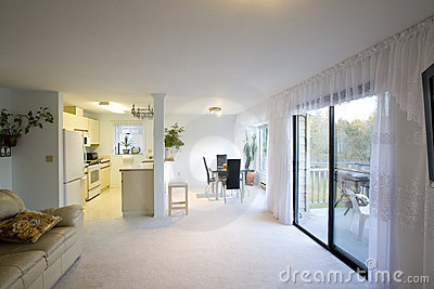 Opgevoerde eetkamer en keuken royalty vrije stock afbeelding beeld 4447756 - Eetkamer keuken ...