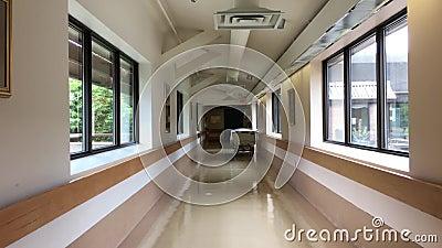 Opinión brillante del pasillo del hospital almacen de video