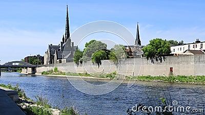Opinión en el río magnífico, timelapse 4K de Cambridge, Canadá almacen de video