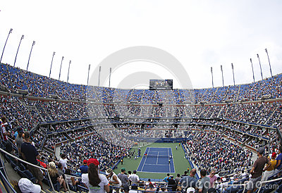 Opinión regional Arthur Ashe Stadium en Billie Jean King National Tennis Center durante el US Open 2013 Foto de archivo editorial
