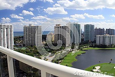 Opinión del balcón en el campo de golf de Miami
