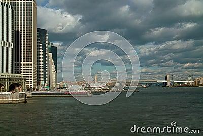 Opinión del transbordador de la isla de Staten de East River de Nueva York