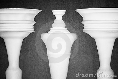 Optical illusion created by clay columns