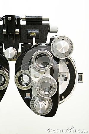 Optometric equipment